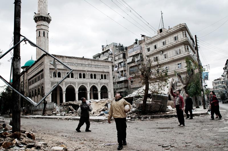 2012bombsfall_dom__syria_001